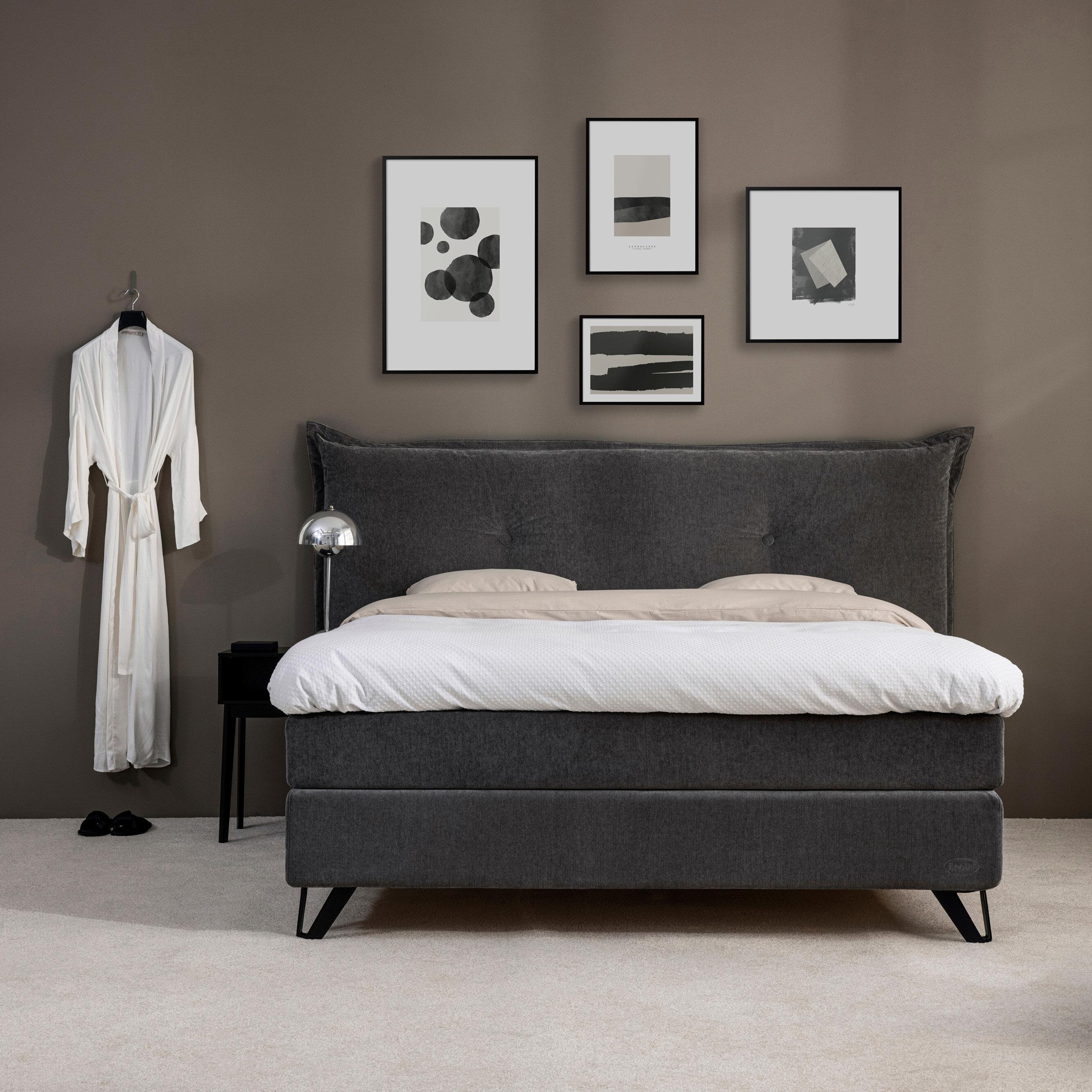 5 stilar – så skapar du sovrummets tavelvägg